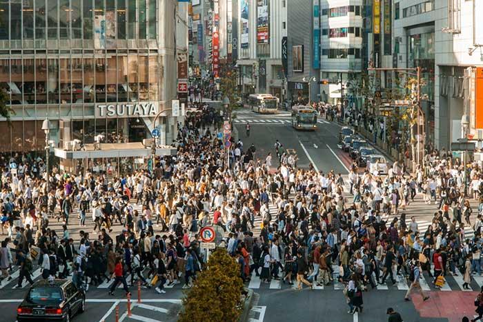 先進国から転げ落ちる日本、産業構造の貧弱化で日本人はさらに貧乏に=冷泉彰彦