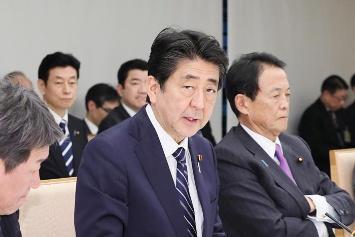世界はもう日本を信じない。役人のせいにできない安倍首相「嘘データ」での成果アピール=今市太郎