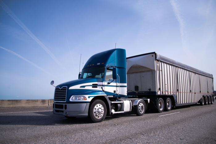 米国景気は悪化している?大型トレーラーの受注が前年同月比68%の大幅減少の実態
