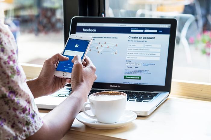 ほかのFAANG株とは違う?フェイスブックがサブスクリプションに舵を切らない理由とは=八木翼