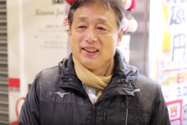1800万円分の宝くじを買いに来た藤ノ井俊樹さん