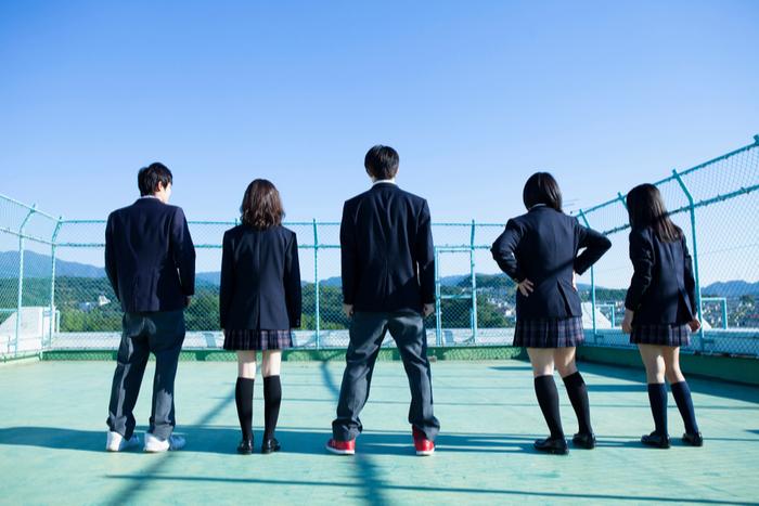「お古は嫌」という考えはもう古い?沖縄で制服のリユースが広がっている理由とは=三宅雪子