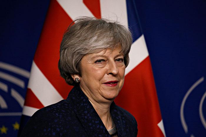 合意なし「EU離脱」に現実味。もともと残留派のメイ首相が英国と世界の経済を急降下させる