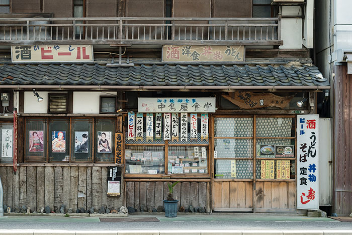 チェーン店だらけの日本は不幸まっしぐら。「町の食堂」が消えた4つの事情=冷泉彰彦