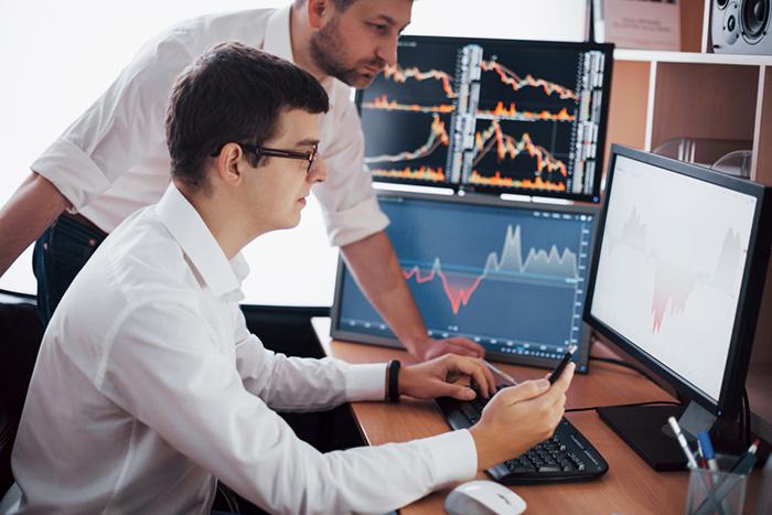 ワークマン、業績好調で株価も大幅高へ。日経平均は米株高を好感して小幅続伸(7/2)