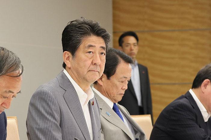 経財白書まで忖度。非正規雇用の増加、日本的経営の破壊は安倍政権の功績なのか?=斎藤満