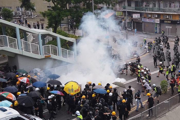日本メディアが報じない香港デモの緊迫化、人民解放軍投入で金融市場は壊滅へ=今市太郎