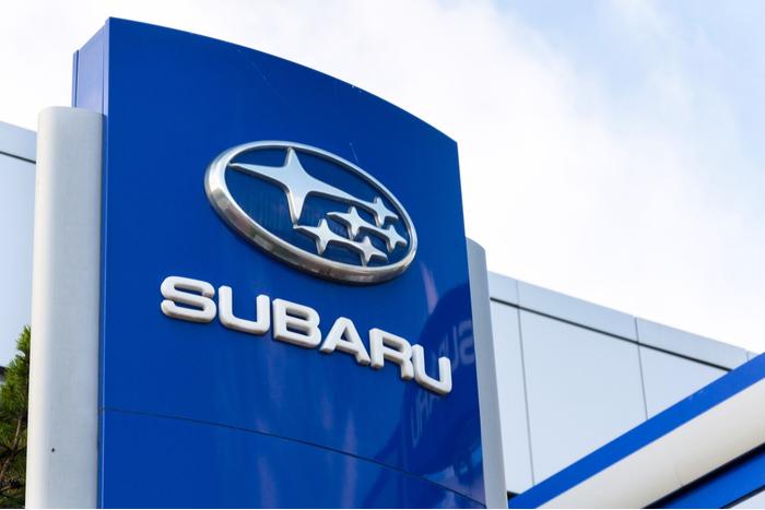 日経は366円(1.74%)の続落。全体安のなか、SUBARUが純利益40%増を好感して95.5円高に(8/5)