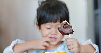 日本の貧困層は飢えずに太る。糖尿病患者の半数以上が年収200万円未満の衝撃=鈴木傾城