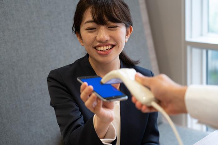 還元率のPayPayか、店舗数の楽天ペイか。10月開始「キャッシュレス還元事業」で損しない方法=岩田昭男