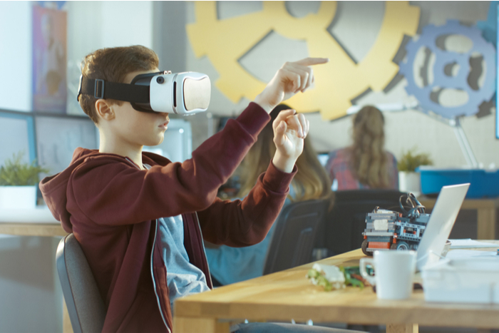 IPO初値が公募価格を40%超えたピー・ビーシステムズは、VRコンテンツの伸びに注目