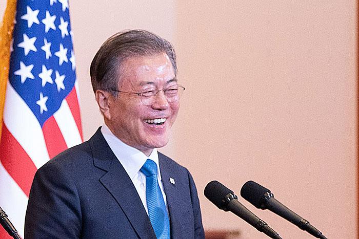 韓国、GSOMIA破棄撤回への下準備が進行中。日本に頼るしかなく、北のSLBM発射で観念=勝又壽良
