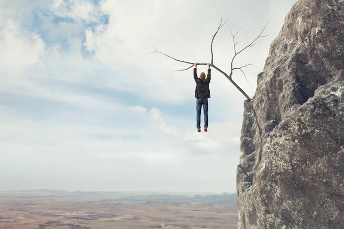 日経平均が一時2万3,000円を突破…株式投資で「今回は違う」という考えが最も危険なワケ=栫井駿介