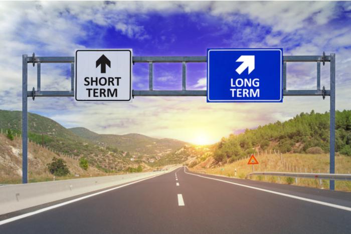 上昇相場でも10年の半分は停滞する…四半期ごとの運用レビューは、長期投資に悪影響=小屋洋一