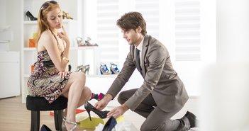 新規上場したダブルエーは、泥跳ねを気にしない婦人靴の開発でさらなる業績拡大なるか