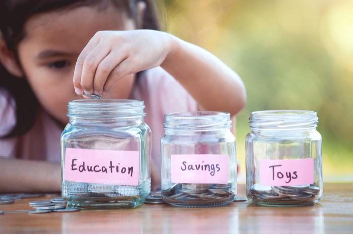 令和に学資保険はナンセンス?賢い家庭は教育費を「NISA」で貯めてるらしい