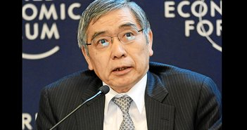 景気「緩やかに回復」は嘘? 黒田日銀総裁、海外では日本のGDPマイナス成長に言及=児島康孝