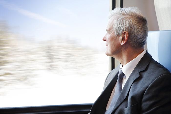 退職金、14年で500万円以上も減少。大卒も高卒もごっそり減額で老後破綻へ=川畑明美