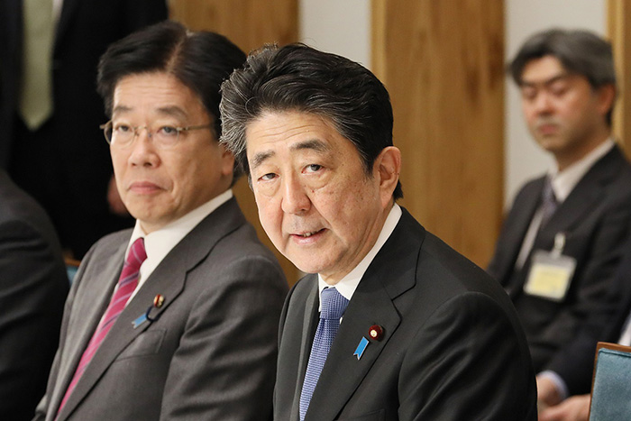 ついに政府統計でも景気後退へ。消費増税が日本経済を破壊し、新型肺炎がトドメを刺す=矢口新