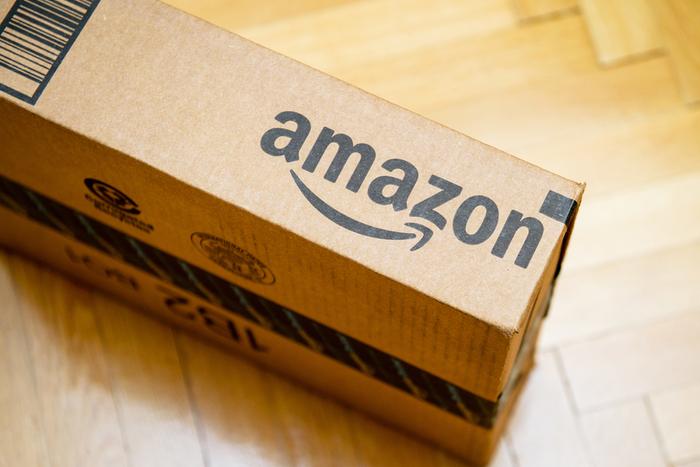 Amazonで送料ぼったくりが横行。安いマスクで客引き、送料2万5000円上乗せする業者も