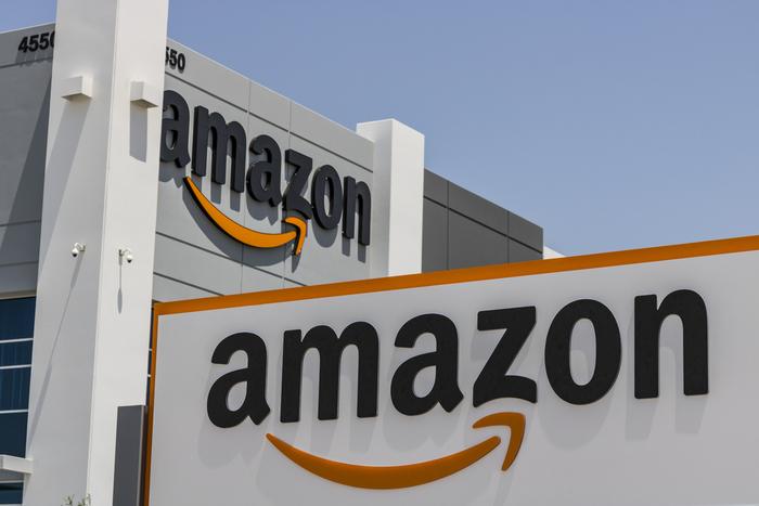 米アマゾン「高額マスク」出品者の取締りを強化。楽天、メルカリ等にも対応求める声