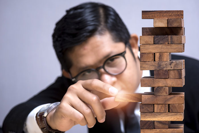 リスクを避け続けると貧困に落ちる?ドラッカーに学ぶビジネスチャンスの掴み方=俣野成敏