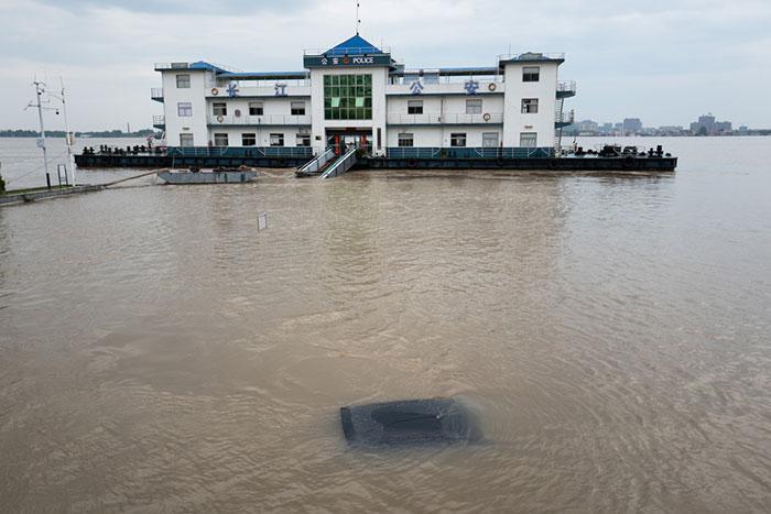 中国水害「人工降雨装置」の暴発か? 三峡ダム「決壊前」でも下流は被害甚大=In Deep