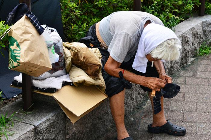 なぜ普通の日本人が住所不定に?コロナ下の現状維持は経済死につながる=午堂登紀雄