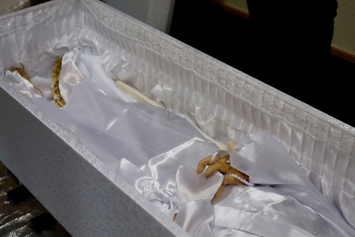 棺はAmazonで2万円。葬儀屋抜きの直葬体験談に興味津々も火葬時にワナが!?