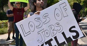 米国有名企業の大量閉店・解雇が続々、18の報道から読み解く真の失業率