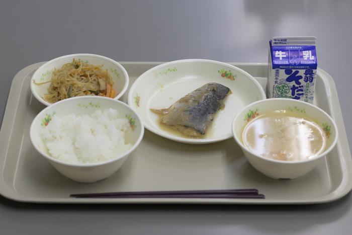 天下り「学校給食会」の5500万円中抜きに批判殺到も、他地域の子の給食はより貧相に?福岡市の直接購入は英断か拙速か