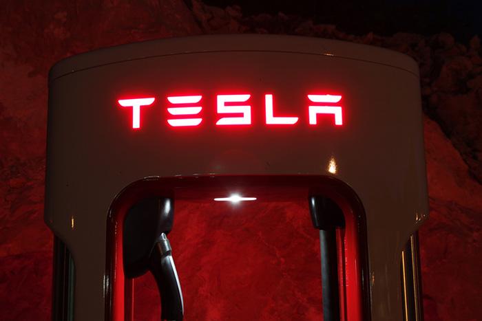 テスラが家庭の電気代を半額に?蓄電池パワーウォールの革新的ビジネスモデル=中島聡