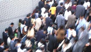 19日の中国本土市場概況:上海総合0.8%安で3日ぶり反落、消費関連に売り