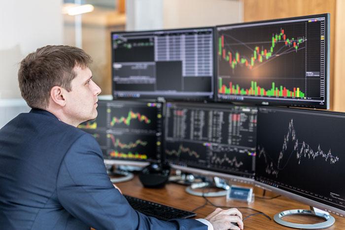 ドル円相場に迫る変化日、転換点は?今週の各通貨ペアチャート分析=川口一晃