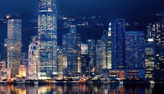 25日の香港市場概況:ハンセン1.2%高で反発、本土系不動産セクター急伸