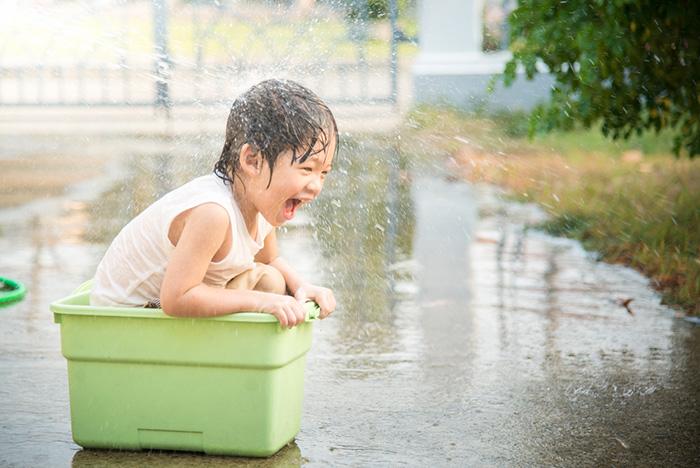 「路上で遊ぶ親子」を許せない日本人が増えている。道路族マップに賛否、もし自分が晒されたらどうする?=午堂登紀雄