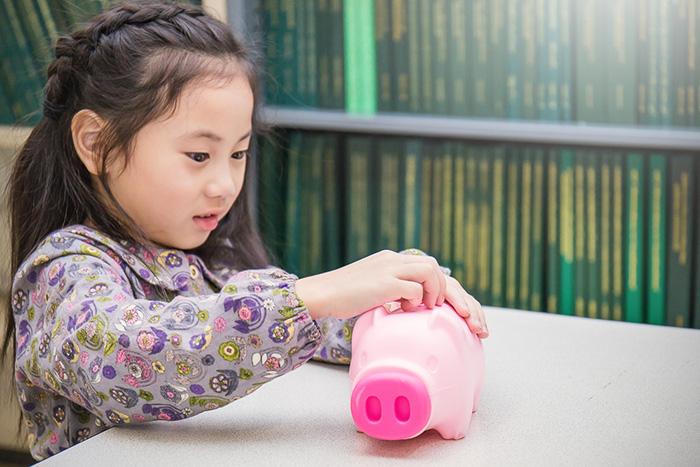 子どものおこづかい「定額」と「報酬」どっちがベスト?伸びる能力に大きな変化=遠藤功二