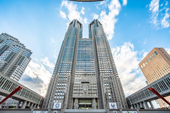 """東京都の貯金、1兆円→21億円に激減で""""増税""""待ったなし。都知事選前の協力金「大盤振る舞い」も影響、行政サービス低下を危惧する声"""