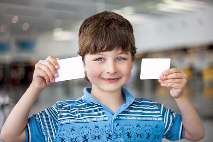 """楽天カード「2枚目発行可能」報道の裏で起きていたゴールドカードの""""ダウングレード""""祭り。新カード到着前に現カードが止まるトラブル頻発か"""