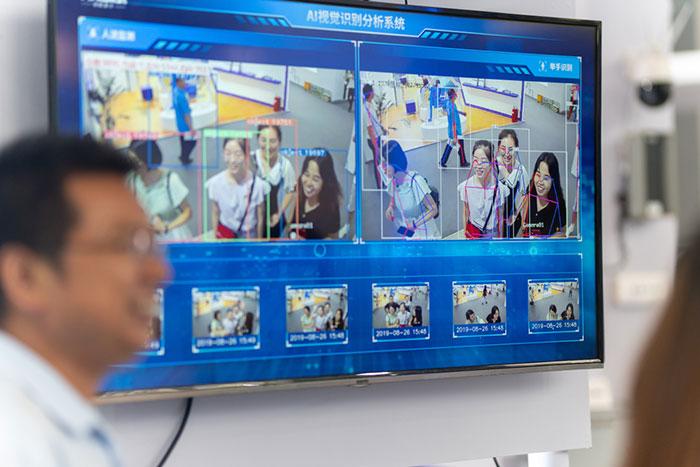 """中国「顔認証」に再び脚光、脱マスクで買い物も改札も""""顔パス""""に。日本も追従するか?=牧野武文"""