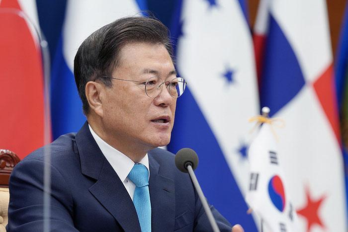 韓国輸出規制から2年「脱日本」に頓挫した文政権、迂回貿易で中国依存が高まり八方塞がり