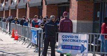 なぜ貧困層ほどワクチン接種率が低いのか?貧しさがコロナ感染を広げる3つの理由=鈴木傾城