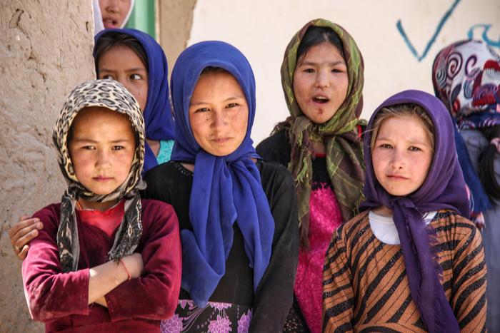 アフガン復興に早くも食い込むビル・ゲイツ、「教育資金」提供の狙いとは?=浜田和幸