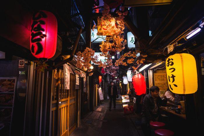 宣言解除は形だけ。東京都が独自に「給付金なしで時短要請」へ。法的根拠のない飲食店いじめに批判噴出