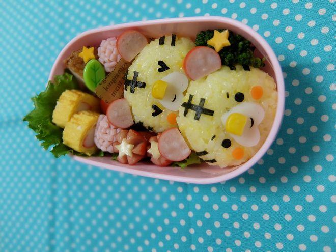 【キャラ弁】自分を犠牲にして雑菌山盛りのお弁当を作る日本人の心理