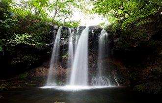 天に昇る竜、髪を洗う乙女と出合う旅。那須塩原の名瀑をフォトレポート