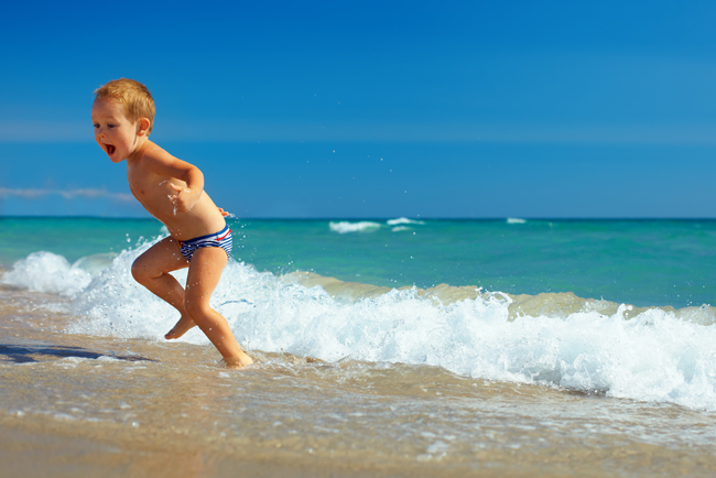 さぁ夏休み。子どもの「水が怖い!」を克服させるには?