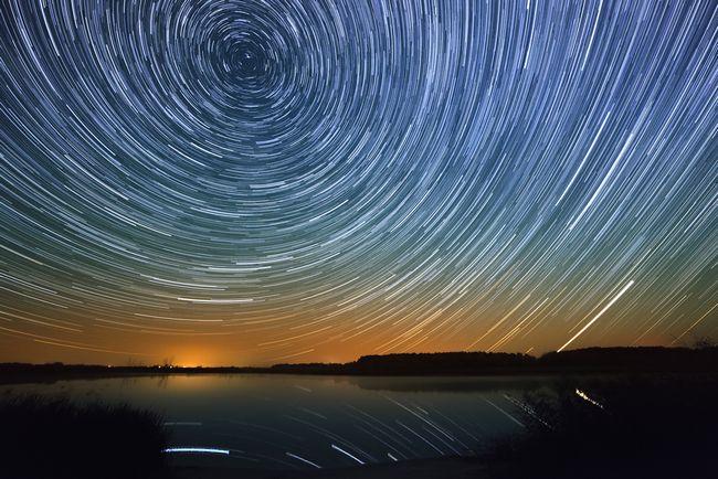 今年は「ペルセウス座流星群」が好条件! この夏絶対見たい4つの流星群