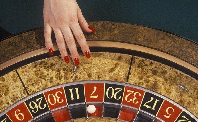 一流のカジノディーラーはルーレットの数字を狙えるのか?