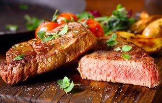 肉をたくさん食べる人は「大腸がん」に3倍なりやすいー英研究結果